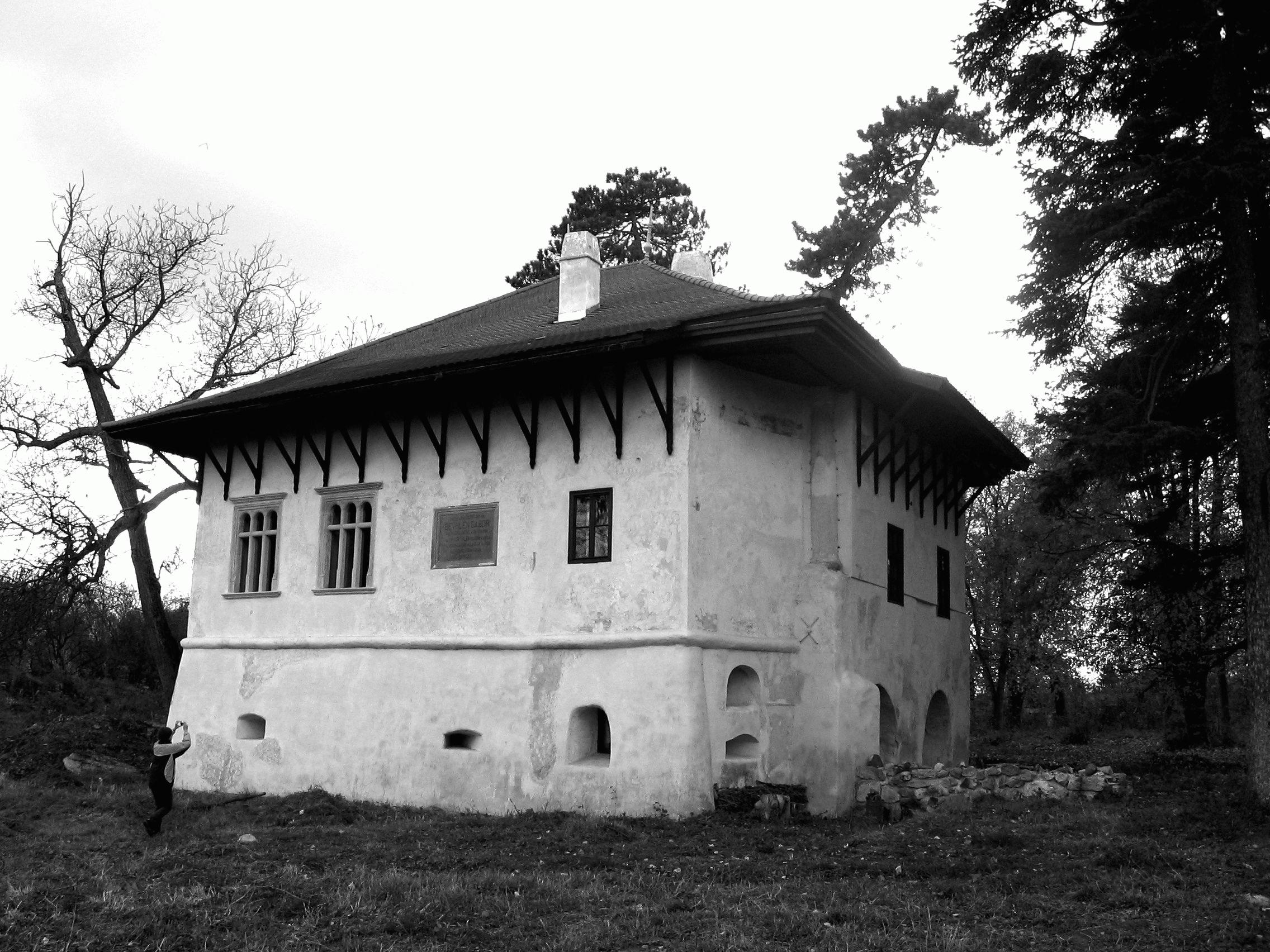 Marosillye, Veres-bástya