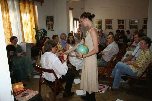Az Alterego irodalmi csoport Szilágyi Domokos-estet ajándékozott az évfordulóra.
