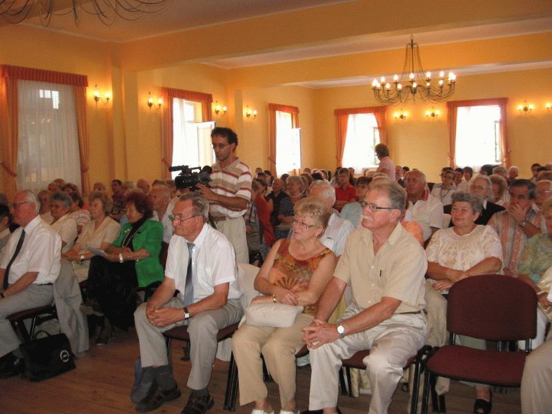 Az érsemjéni Kazinczy-tudományos ülésszak előadásait népes közönség hallgatta.
